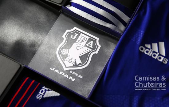 a7245891d4 O conceito usado na criação do novo manto da Seleção Japonesa é o Enjin  (Ato de ir junto