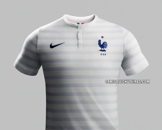 4f31a16d81f04 Sairia com qualquer uma das camisas da França tranquilamente. Sem dúvidas a seleção  francesa será ...