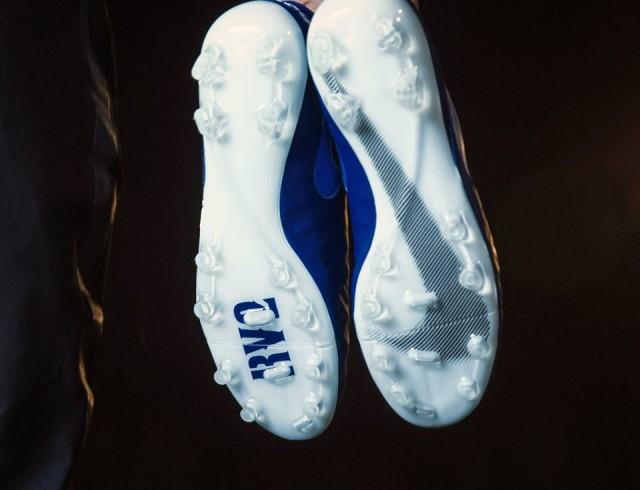 Bolsa satisfacción llegar  Raphaël Varane recibe su Nike Tiempo Legend VI personalizadas – La Jugada  Financiera