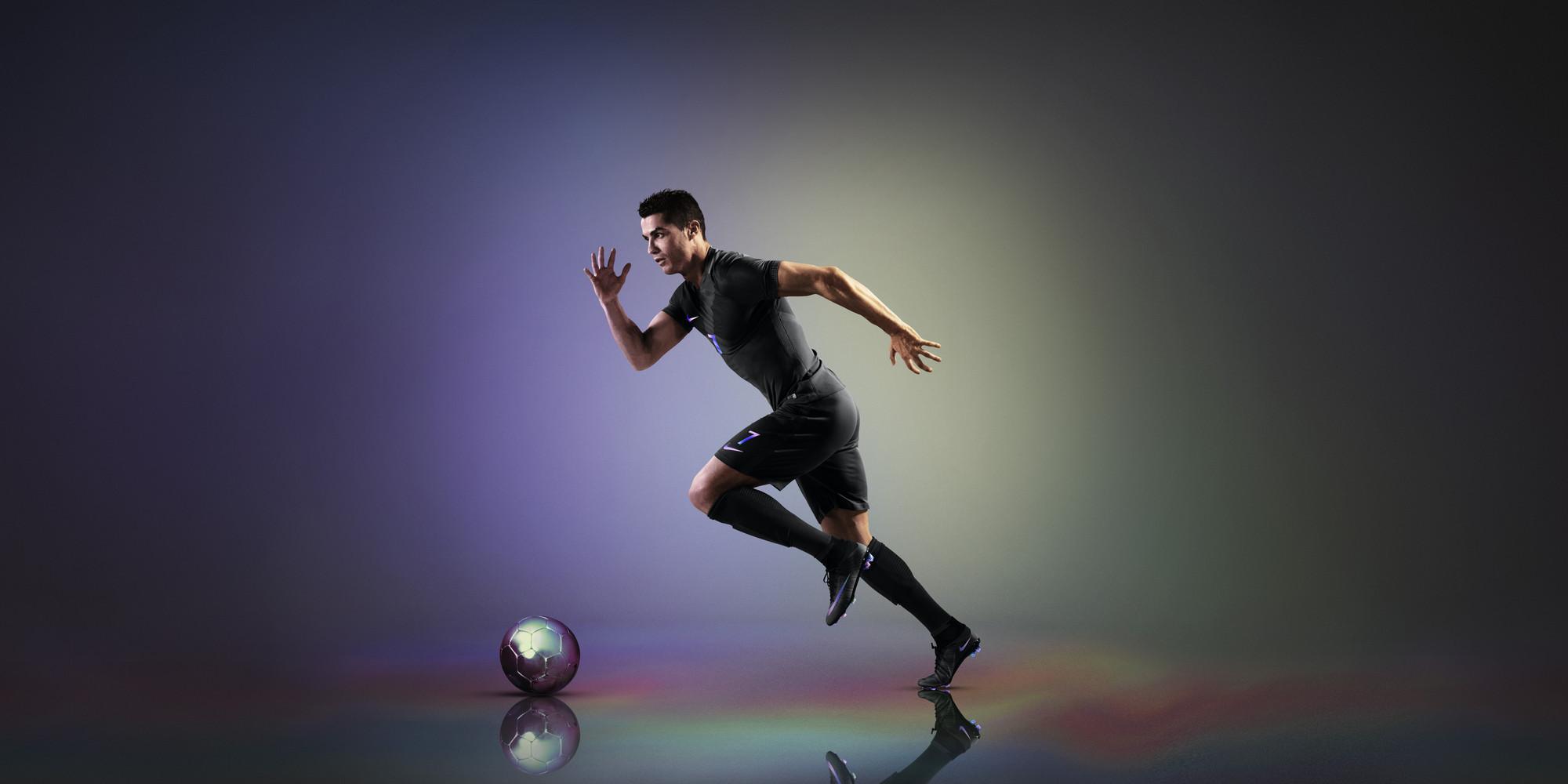 Nike_Vapor_Kit_with_AeroSwift_Technology_Cristiano_Ronaldo_54317