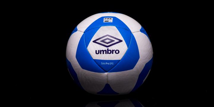 bf2a63d777 Umbro renova com LNF e lança Bola Sala Pro DPS - C C