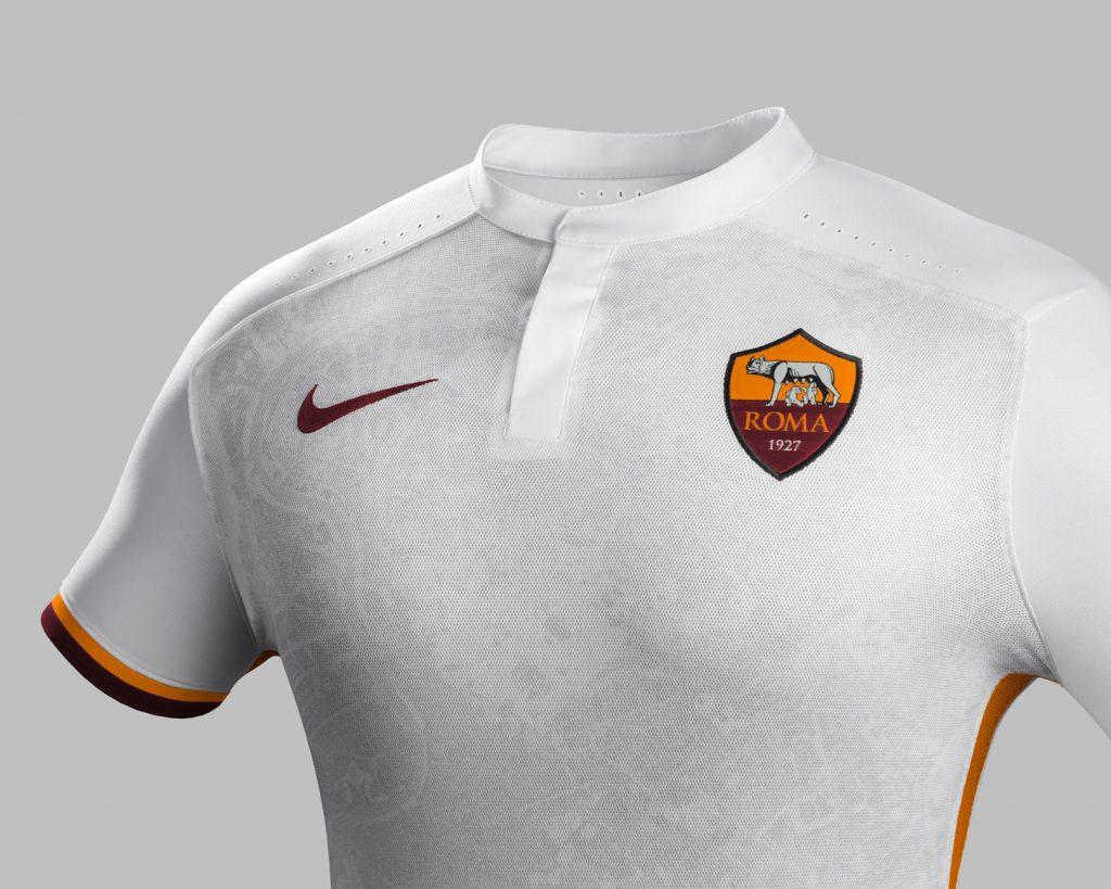 Fa15_Club_Kits_PR_Match_Crest_A_AS_Roma_43827